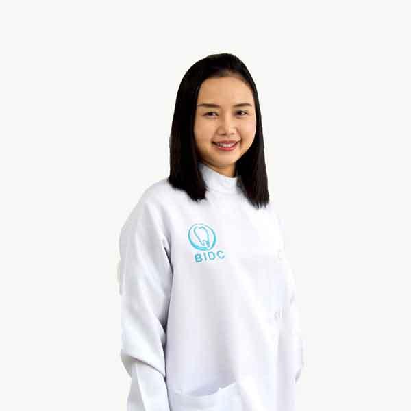 ทันตแพทย์หญิง วรรณวดี ชีวินวนกิจกุลDDS., MSD.,