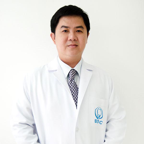 ทันตแพทย์ พรศักดิ์ ตันตาปกุล DDS., MSc.,